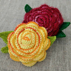 Learn to crochet Margaret Daszkiewicz's flowers